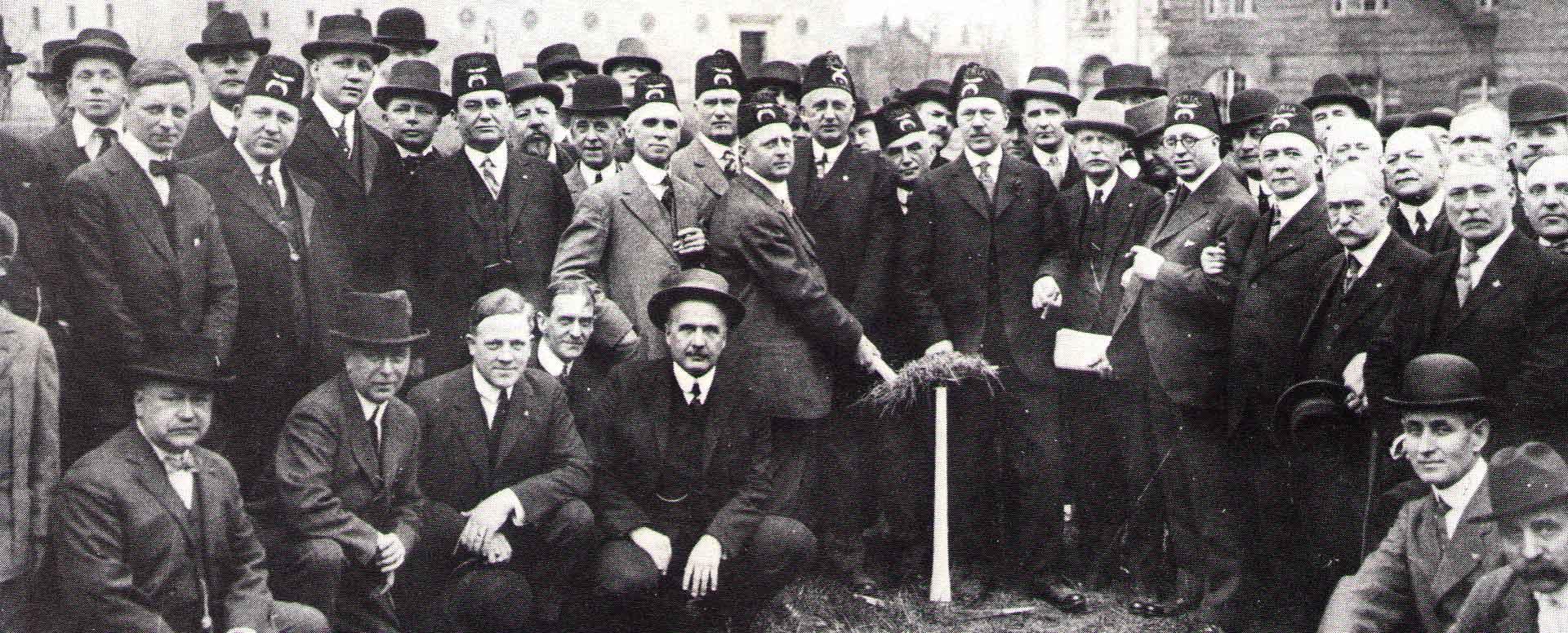 ground breaking Syria mosque 1915